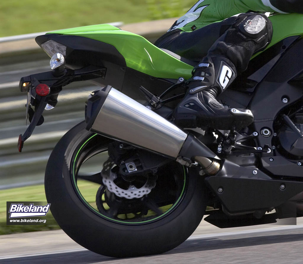 2008 ZX-10R: More pics and specs released @ ZX10R ZONE.com
