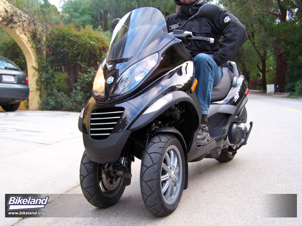 first ride 2008 piaggio mp3 400 ciao from the future. Black Bedroom Furniture Sets. Home Design Ideas