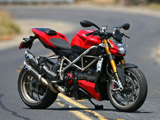 first ride 2009 ducati streetfighter s. Black Bedroom Furniture Sets. Home Design Ideas